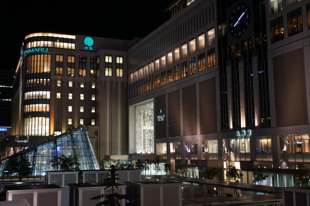 札幌駅南口 1/20 f3.5 ISO800