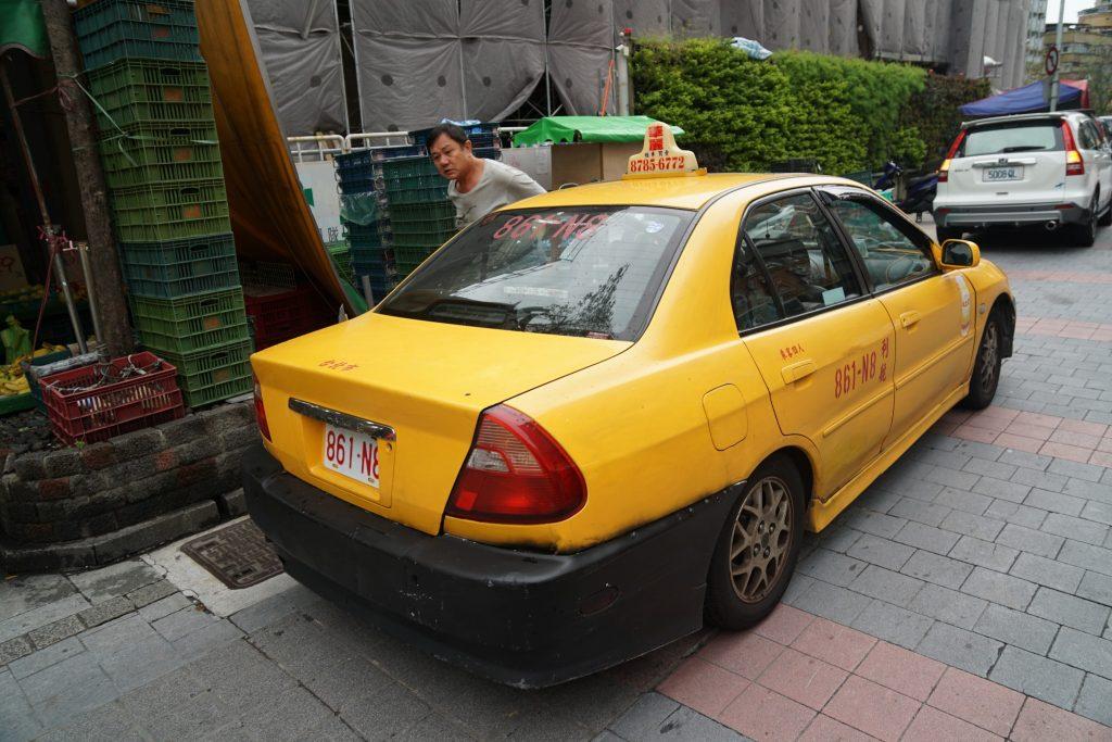 たぶんタクシー